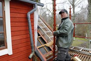 Bosse Emilsson är en av dem som fixat tilläggsisolering och ny fasad på huset, inför det inre asiktslyftet.
