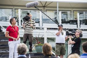 Arrangören Marcus Palmqvist hälsar välkommen till sjätte MPC-golfen.