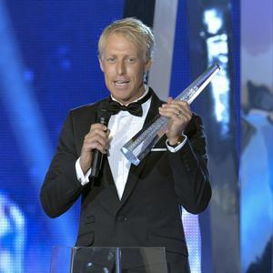 Pops har vunnit Kristallen fem gånger för sitt arbete med Vinterstudion.