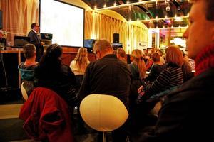 – Kulturhuset i Luleå har varit en framgångssaga som alla kommunens invånare hyllar, berättade Luleås kulturchef Åke Broström, när han berättade om projektet på tisdag kväll för 100-talet besökare. Intresset hos Östersunds kulturpolitiker för mötet var dock obefintligt.