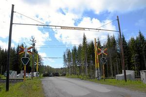 säkerhet. På flera platser ska plankorsningar byggas om för ökad säkerhet, bland annat i Önnabo som får en vägbro.