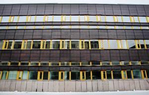 Kanske blir det landstinget som kommer att fylla några av de tomma rummen i det före detta polishuset på Köpmangatan i Östersund.Ännu så länge är det endast företaget Independia group som finns i huset.