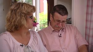 Den katastrofala situationen får Britt-Marie och Ante att brista i gråt.