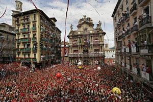 San Fermin-festivalen i Pamplona lockar mängder med turister.