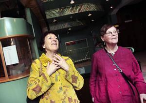 """älskar opera. Christina Markstedt och Ingrid Fahlgren delar kärleken till opera. Men medan Christina tycker opera """"på riktigt"""" är bäst föredrar Ingrid Fahlgren att se direktsändningar på bioduken. Då får hon se föreställningar från världens stora operahus."""