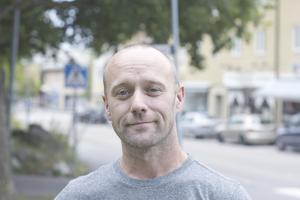 Paul McGowan, 37 år, snickare, Norberg: – Lax, eller om de vill ha engelsk mat så gör jag shepherds pie eller sunday roast, med rostbiff, grönsaker och annan fyllning.