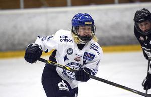 Wilma Johansson klev fram och blev Leksands första målskytt i matchen.