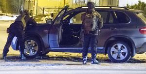 Tungt beväpnad polis gjorde under torsdagsmorgonen en insats i Sundsvall. På den aktuella adressen var det flera styrkor på plats.