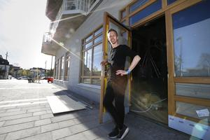 Efter att ha varit kökschef i 10 år på Åtellet i Norrtälje, öppnar nu Stefan Schönberg en egen restaurang i Norrtälje Hamn.