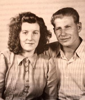 Margit och Alexej gick till fotografen i Ludvika.