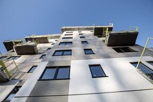 47 nya lägenheter i varje fastighet. 94 lägenheter totalt. Inflyttning i början av 2021.
