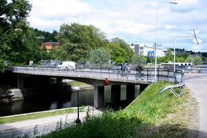 Bron från Skolhusallén över till Norrmalm har nått sin livslängd och ska byggas om.