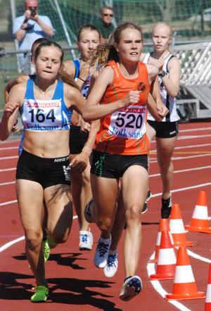 Klara Frih in action förra sommaren. I Marsspelen nöjde hon sig med att hoppa längdhopp (!) på lördagen, men på söndagen ska hon springa 1 500 meter. Arkivfoto
