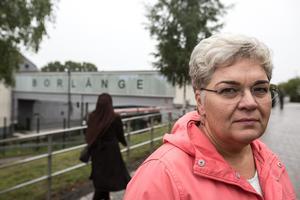 Det socialdemokratiska kommunalrådet i Borlänge, Mari Jonsson, kritiserade SD i en artikel i tidningen för två år sedan. Kritiken kvarstår.– Det har inte blivit någon förbättring, säger Jonsson i dag.
