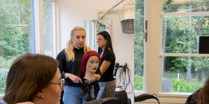 Ida Johansson går första året på hantverksprogrammet med inriktning frisör.
