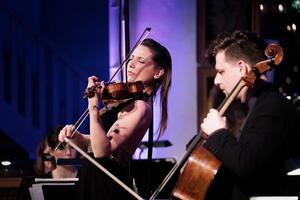 Rosanne Philippens, violin och István Várdai, cello, briljerade i Brahms dubbelkonsert.Foto: Nikolaj Lund