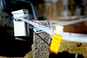 Polisen arbetar fortfarande med en teknisk undersökning på brottsplatsen.