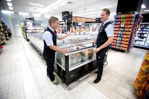 Ägare Mikael Karlström och butikschef Henrik Bergfors kommer att hålla butiken i Kringlan öppen under hela renoveringsperioden. Till första advent ska allt vara klart.