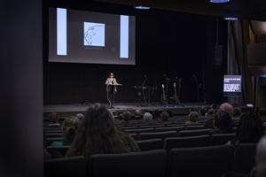 Denise Cresso-Nydén visade filmklipp och tog upp reflektioner från publiken.