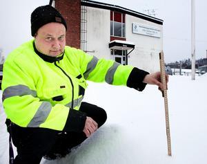 Det har varit en knepig vintersäsong, tycker Jan Lantz som berättar att krav på ersättning från folk som skadat sig i halkan skickas till kommunens försäkringsbolag för bedömning.Foto: Peter Ohlsson/Arkiv