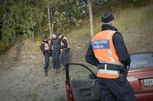 En gripen och misstänkt chaufför tas omhand av studenter