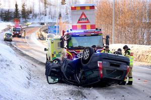 Trafikolycka på Hulivägen nära korsningen till Timmervägen.
