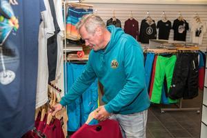 1984 tog Ted Eriksson över Seafun surfshop och gjorde om så att butiken var öppet året runt.