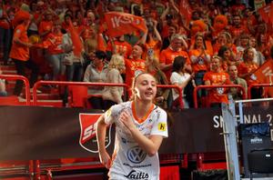 Cornelia Fjellstedt efter att ha tackat Iksu-fansen i Globen.