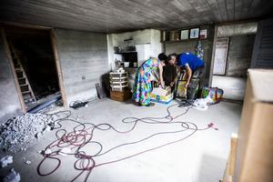 I källaren rustas det för att bli en ateljé med bland annat keramikugn.