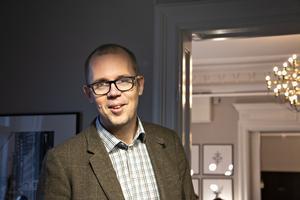Torbjörn Bäckström, som är chef på Gävlekontoret,  konstaterar att det finns en tanke med den fina inredningen.