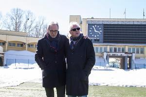 Pelle Togner (t.v.) var tillbaka på Leninstadion i Chabarovsk 2015 när VM spelades där senast. Han och Stefan Karlsson besökte den tidigare VM-arenan där bragden 1981 utspelade sig.