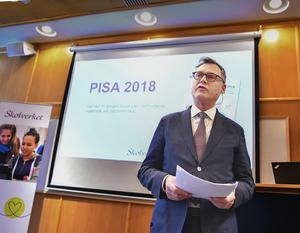 Skolverkets generaldirektören Peter Fredriksson presenterade Pisarapporten under en pressträff i Stockholm.den 3 december. Foto: Jonas Ekströmmer/TT