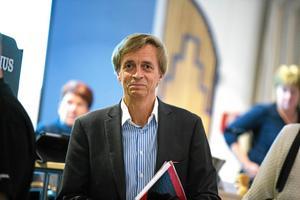 Ludvikahems vd Ulf Rosenqvist menar att det vore fel att frysa hyrorna under 2019. Då är det risk för att det kommer surt efter, resonerar han.