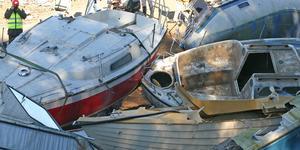 Av cirka 900 000 fritidsbåtar i Sverige är över 100 000 båtar 40 år eller äldre. Antalet sjöodugliga uppskattas till 62 000 och antalet övergivna skrotbåtar till cirka 2 000. Foto: Solveig S Thörnblom Båtskrot.