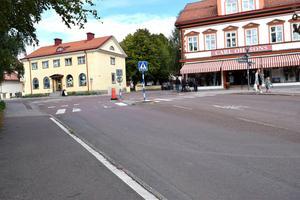 En man som körde bil på Leksandsvägen i Leksand  (bilden) hade inget giltigt körkort och döms därför till dagsböter för olovlig körning. Foto: Annki Hällberg/Arkiv