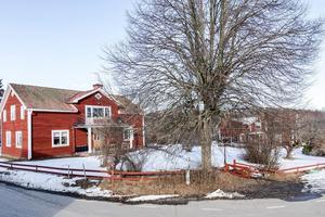 488c9d66e397 Ett timmerhus i Norra Lunger är mest klickat i Arboga den senaste veckan.  Foto: