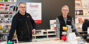 Per och Stefan Andersson driver sedan 16 år Ewerlöfs  bokhandel i Sala.