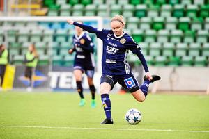 Wilma Wärulf i SDFF:s tröja.