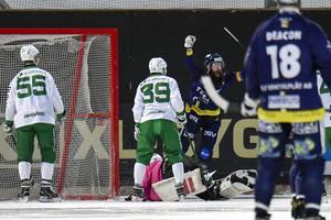 Martin Krigh jublar efter kvitteringen till 1–1. BILD: Stina Stjernkvist/TT