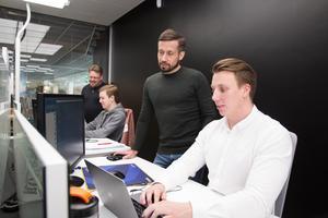 """""""Behovet och vikten av att få fram andra värden hos kandidater när företag ska rekrytera nya medarbetare har blivit väldigt synbart de senaste åren"""", säger grundaren tillika HR-specialisten Jimmy Larsson. Här ses han tillsammans med Marco Huttunen."""