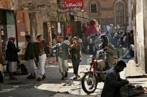 Situationen för människor i Jemen, här huvudstaden San'a, beskrivs som världens största humanitära kris av FN. Foto: Paul Schemm/AP Photo