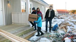 Familjen Sundberg flyttade in i sin nya villa i helgen. De byter adress, men bor kvar på Gäddeholm.