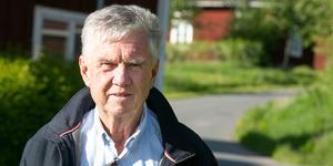 Ulf Sundén hoppas att kommunens politiker vill lyssna på invånarna innan de slår fast ett regelverk för alla byvägar.