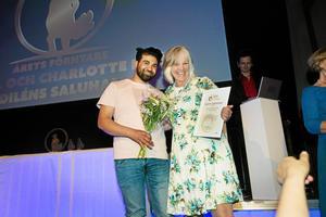 I Micke och Charlotte Diléns frånvaro togs priset för årets förnyare emot av Anne Eriksson,  Bondenära, som i samarbete med saluhallen i Valbo utvecklat företagets webbutik för lokal mat.