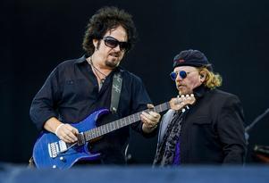 Steve Lukather på Sweden Rock Festival i Blekinge 2015. Toto gav ut boxen