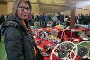 Jeanette Åkerblom gillar nostalgi, kuriosa och bilar.