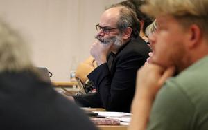 Joakim Bäckström (VFÅ) lyfte våren 2019 frågan om solpaneler på kommunens byggnader i en motion, men något svar finns ännu inte på bordet.