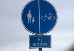 Västerås hade nog bättre cykelvägar än Uppsala redan för 30 år sedan, tror signaturen Leve Västerås