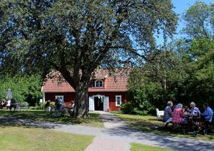 Sockenstugan i Ösmo är öppen varje dag fram till den 4 augusti. Foto: Ulla Laiho