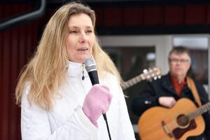 Rose-Mari Bogg uppmanade barnen att genomföra ett så kallat vårskrik, inspirerat av Ronja Rövardotter.